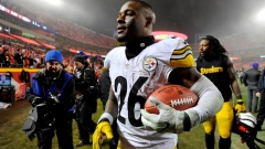Le'Veon Bell signs franchise tender, returns to Steelers Article Image 0