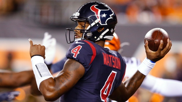 Deshaun Watson gives first National Football League check to NRG Stadium cafeteria workers