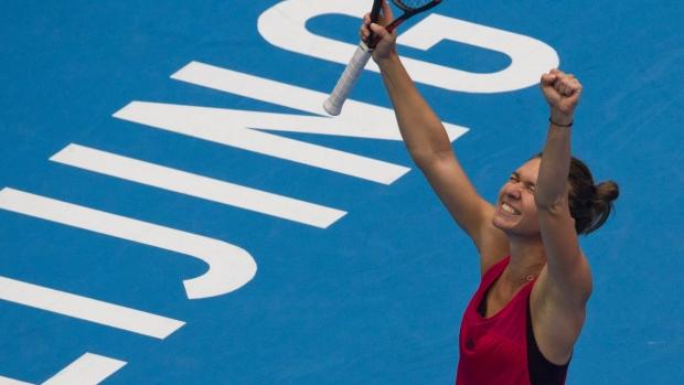 Simona Halep defeated Shaparova for the first time în her career