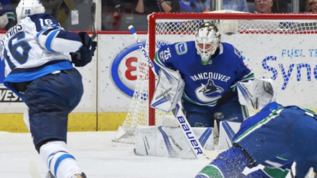 Canucks Jets Jacob Markstrom