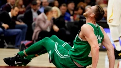 Gordon Hayward breaks ankle