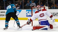Logan Couture scores on Carey Price