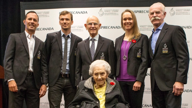 Simon Whitfield, second to left, Canada's Sports Hall of Fame