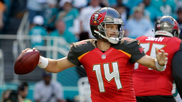 Buccaneers agree to terms with QB Fitzpatrick