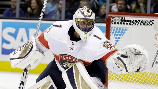 Panthers goalie Luongo leaves game with apparent leg injury