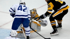 Bozak scores twice, Maple Leafs bury Pens early in 4-3 win Article Image 0