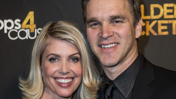 Ex-NHL star's wife: Trump made advance on me, too
