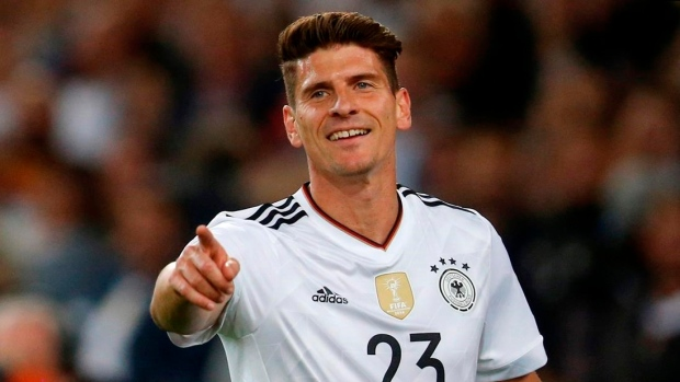 Mario Gomez returns to Stuttgart