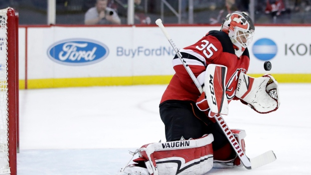 Islanders sign G Schneider to two-way deal, add Gustafsson on PTO