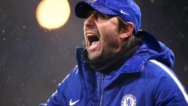 Cesc Fabregas leaks news of Antonio Conte sacking?