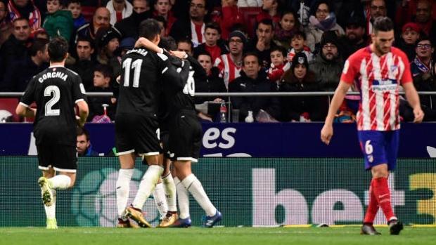 Sevilla-celebrates-goal