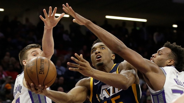 Mitchell scores 34 in Jazz's win over Kings - Article - TSN