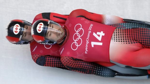 Canada's Tristan Walker and Justin Snith finish 5th in men's doubles luge article image